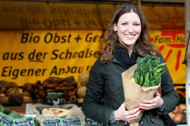 """PROJEKT GESUND LEBEN - Die Gesundheitswissenschaftlerin hat sich selbst zum """"Projekt: Gesund leben"""" erklärt – weil sie so ist. Und weil sie anderen zeigen will, dass es geht. Inzwischen verzichtet sie auf Zucker"""