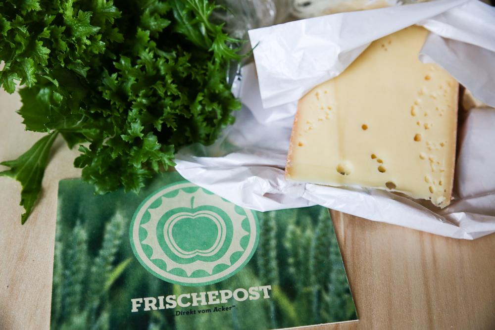 """FRISCHEPOST - Die Schlacht um das letzte, bislang noch nicht verteilte Tortenstück beim Online-Handel ist im vollen Gange – der Lieferservice von Lebensmitteln. In Hamburg will """"Frischepost"""" die Stadt mit hochwertigen und nachhaltigen Produkten versorgen"""