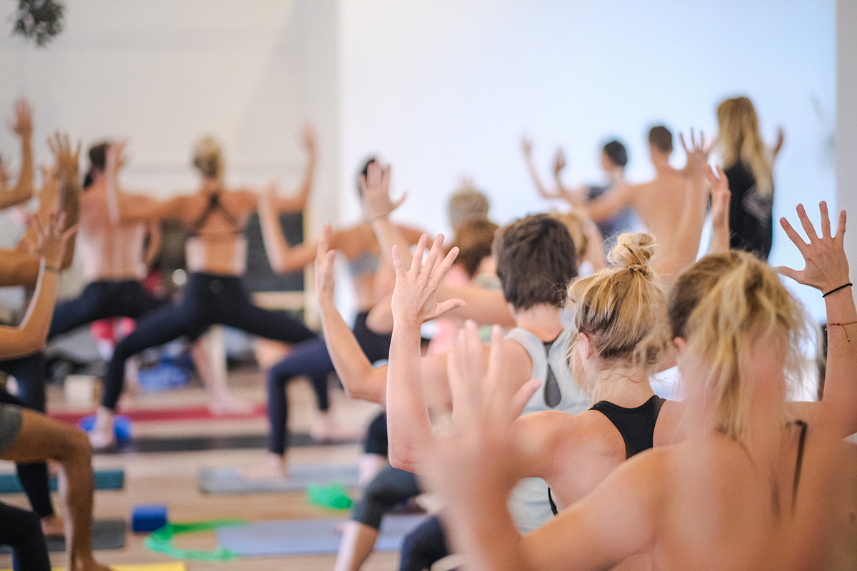 How To Pick A Yoga Teacher Training Course That S Right For You Spanda Vinyasa