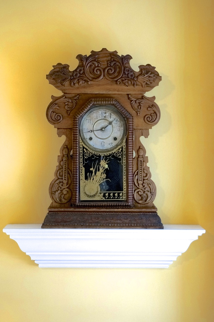 Antique Clock.jpg