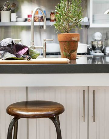 How-to-decorate-a-kitchen-island-4.jpg