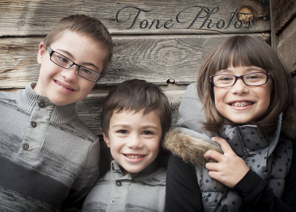 Toni skaggs of tone photos photographs children. Midwestern photographer.
