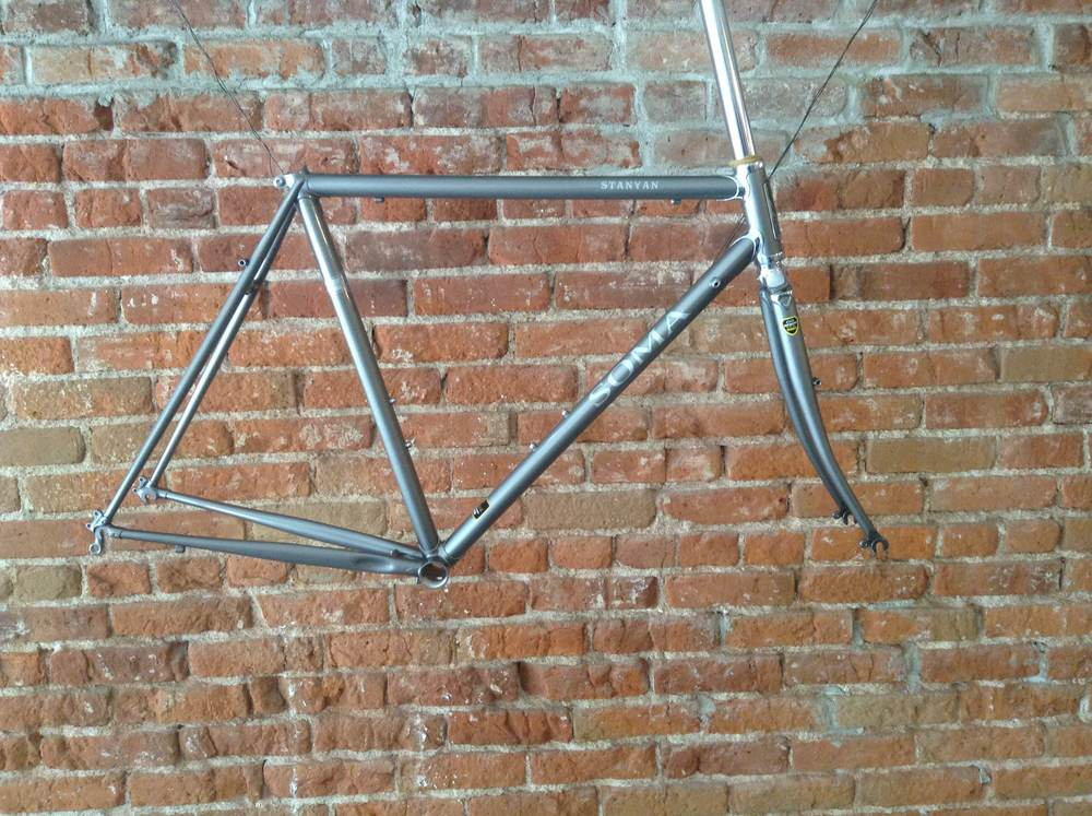 Stanyon frame set made of Tange ChroMo steel tubing and stainless lugs.