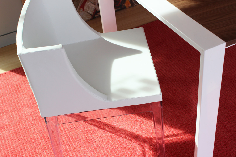 D849 Prefab white Marcia chair .jpg