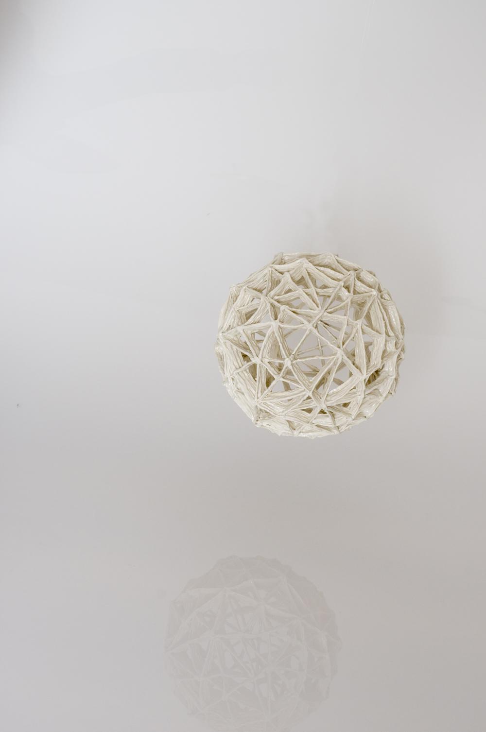 Fachwerkkugel lattice spere d 15 cm image: Natalie Williams
