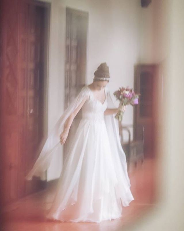 Like a Dream 💓 @pmfmello 📸: @flaviasoaresfotos #carolknudsen #vestidosdenovia #castlewedding