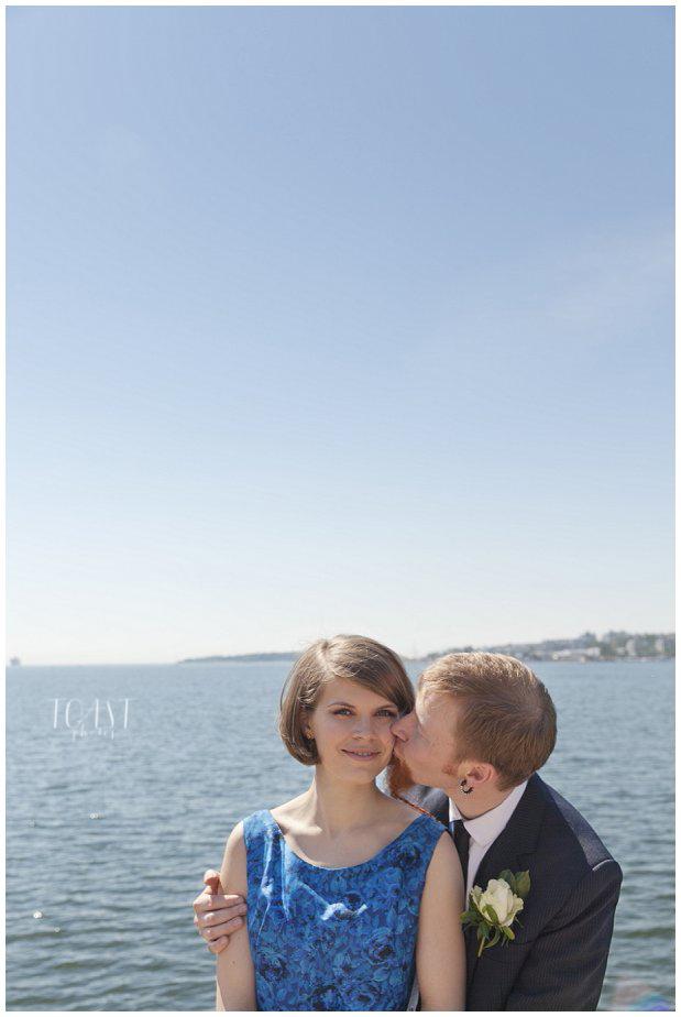 Sulhasen-suudelma-Lauttasaaren-edustalla