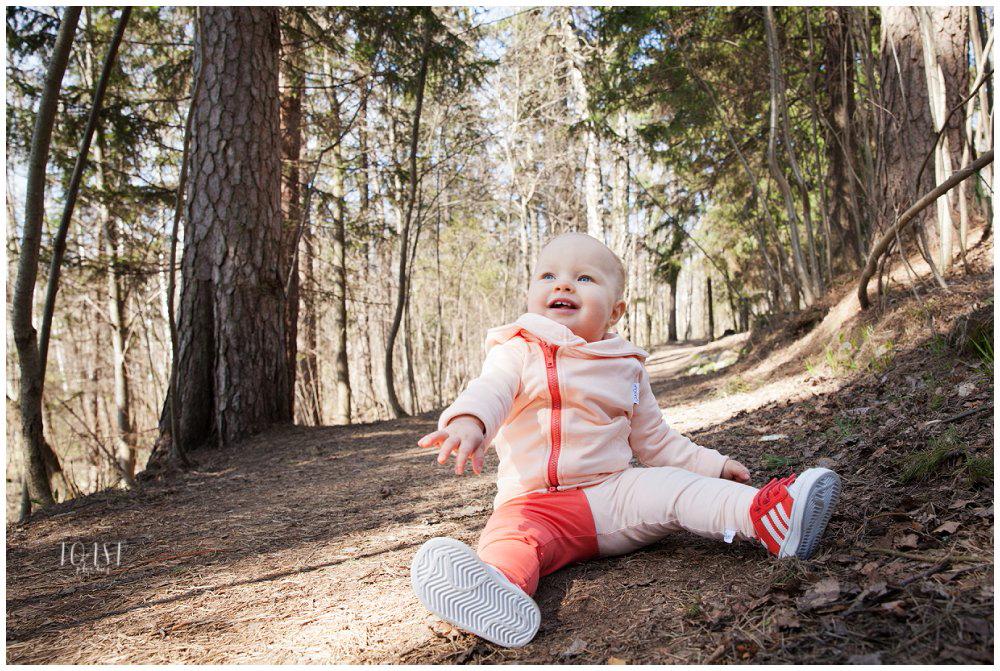 Metsäisiä-lapsikuvia