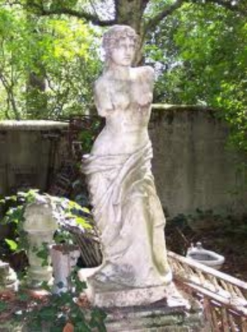 Garden ornaments and architectural salvage