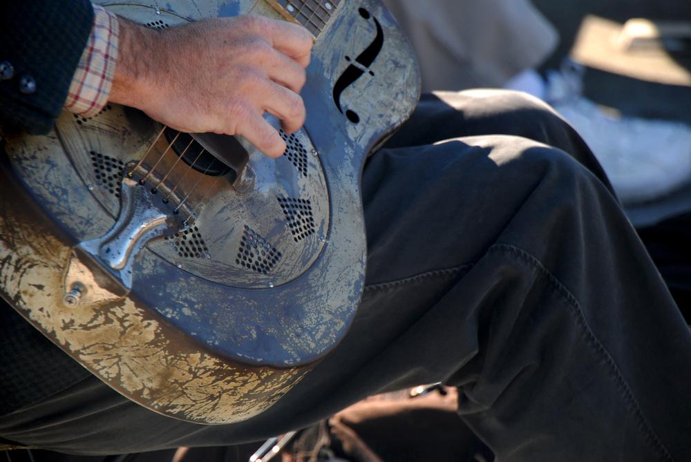 Steel guitar blues on the pier
