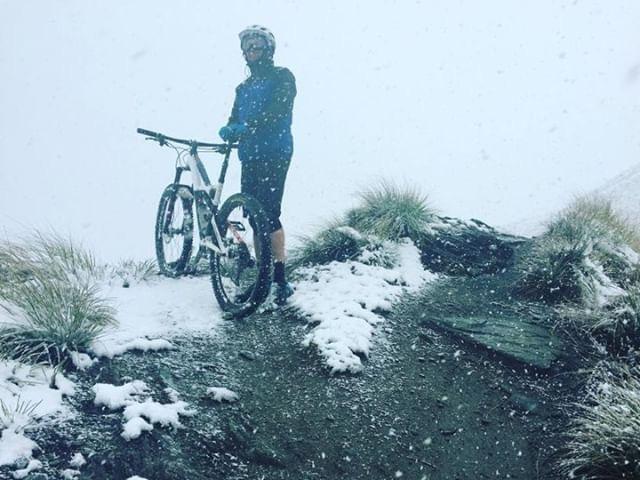 @   d34no5    From Coronet Peak, NZ a couple years ago. Epic day on the bike  #dfbrisbane  #drivefitnessphotochallenge  #drivefitnessphotochallengeweek3  #leavemeandmyhashtagsalonetom  @drivefitnessbrisbane
