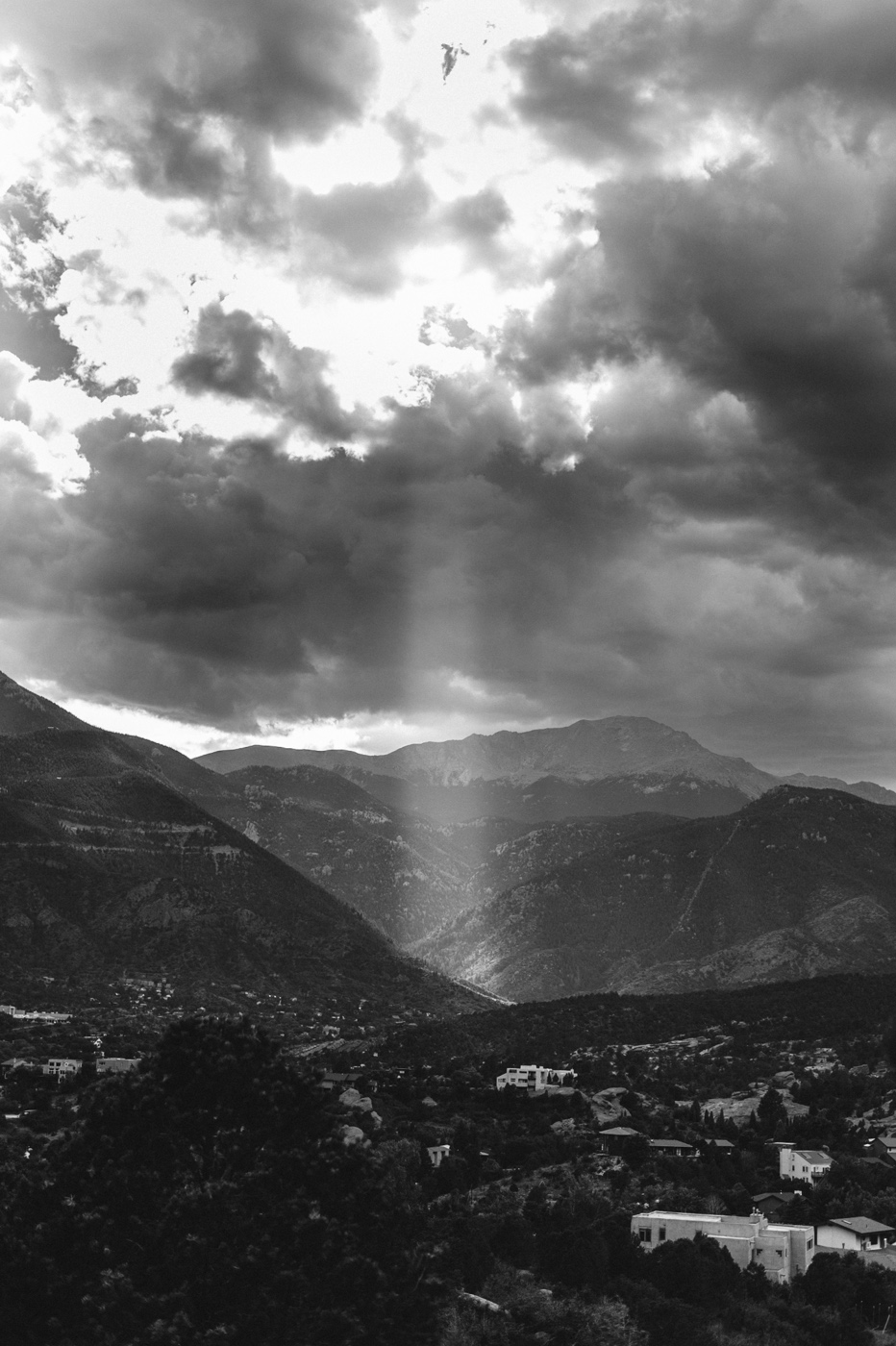 Rays through the clouds at Red Rocks Park