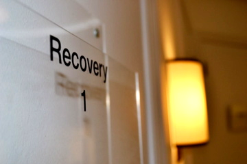 Recover from your surgery in one of four private recovery rooms.