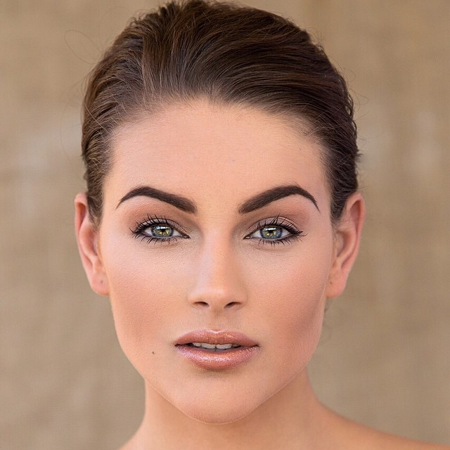 Rolene Strauss, named Miss World in December 2014, has a strikingly symmetrical face.