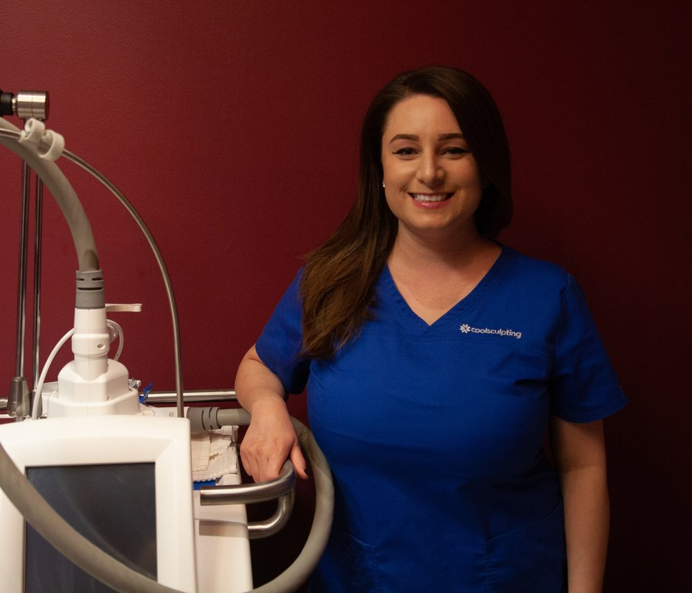 Caroline - Caroline bleeds blue for Coolsculpting! She is Coolsculpting University, Reston certified and is comfortable using the machine to contour every aspect of the body.  Caroline is really loving mini makeovers such as chin contouring and arm sculpting. She has a really fun energy and is guaranteed to make you smile with her skills and sense of humor.
