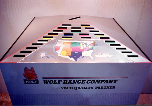 Wolf-deskweb.jpg