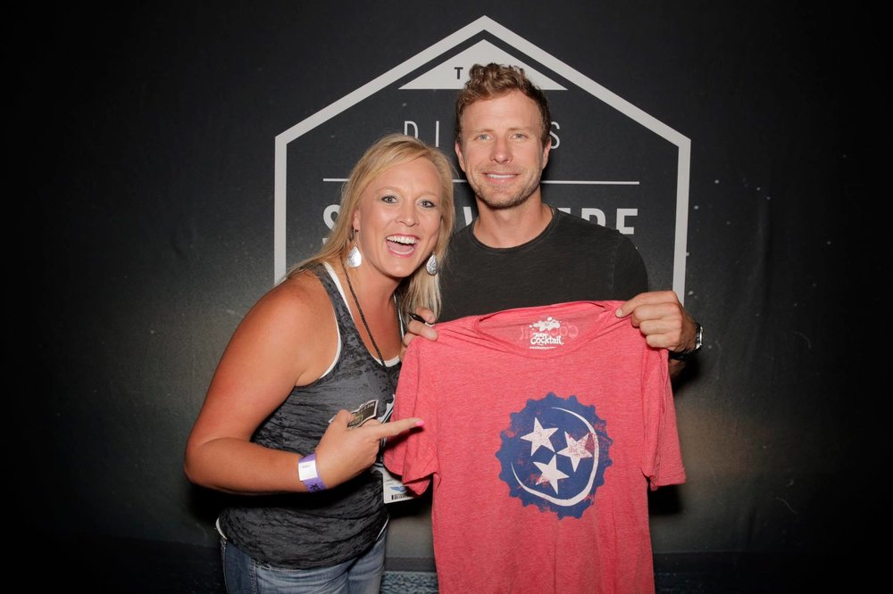 Dierks Bentley and Team Cocktail Owner, Lyndsey Higgins, totally dig my design for Team Cocktail's swag :)