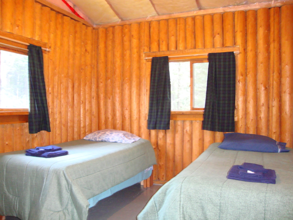 Cabin 1-3 Bedroom.jpg