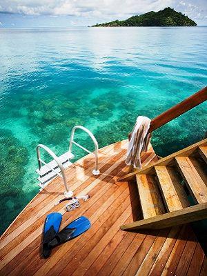 Likuliku_-_access_off_overwater_deck.jpg