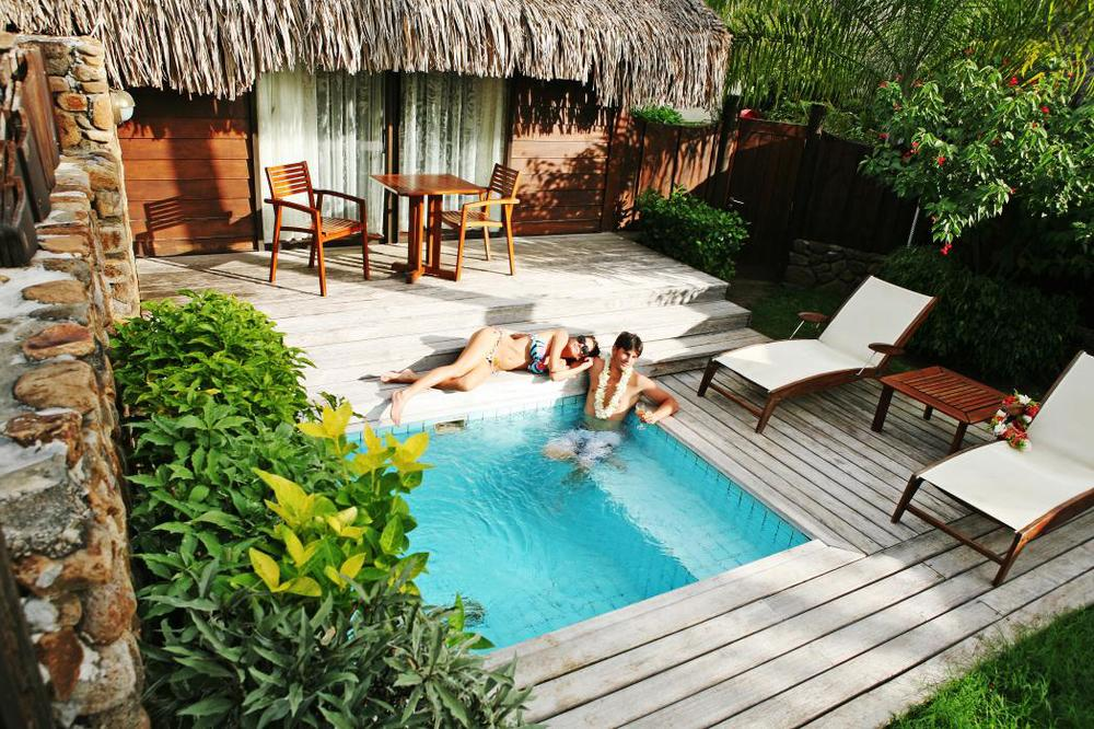 Pearl beach moorea resort gone tropo travel for Garden pool bungalow