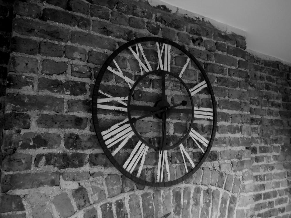 Clock BW-01.jpg