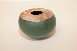 Peter Shearer Vessel  $51 - 60mm x 110mm, $73 - 80mm x 135mm, $139 - 120mm x 130mm