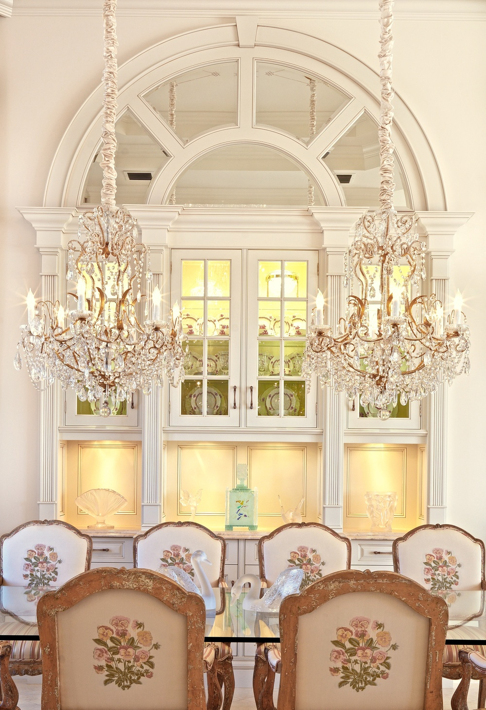 DINING ROOM FRONT SHOT.jpg