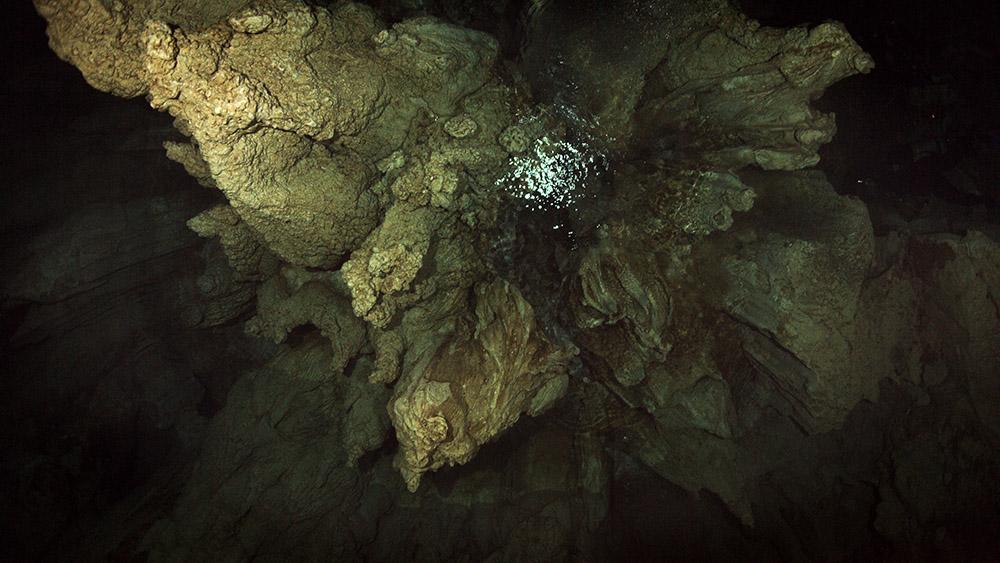 Cave 05.jpg