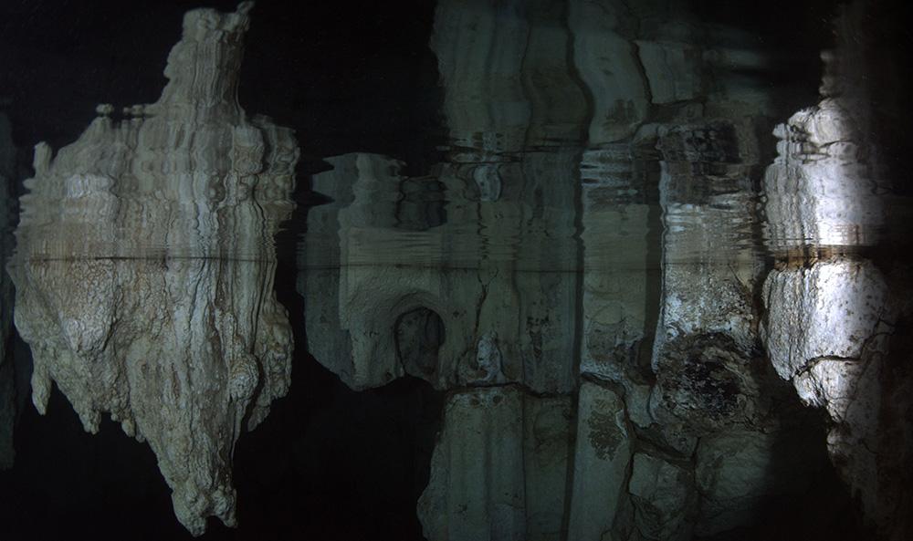 Cave 07.jpg