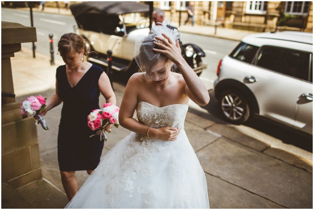 Wakefield Town Hall Wedding_0030.jpg