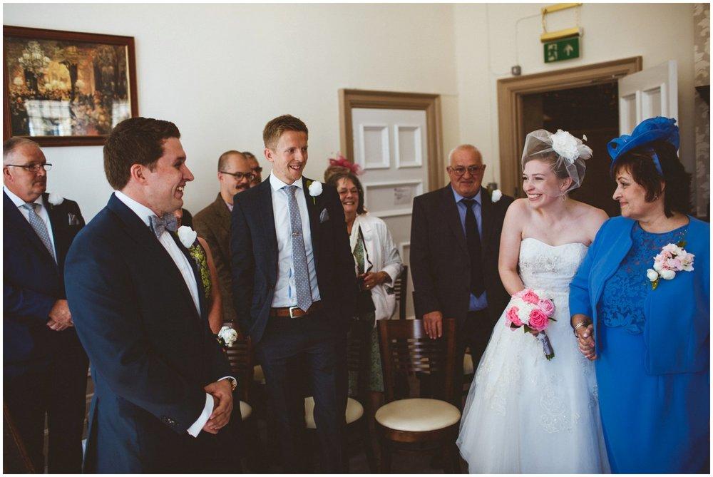 Wakefield Town Hall Wedding_0034.jpg