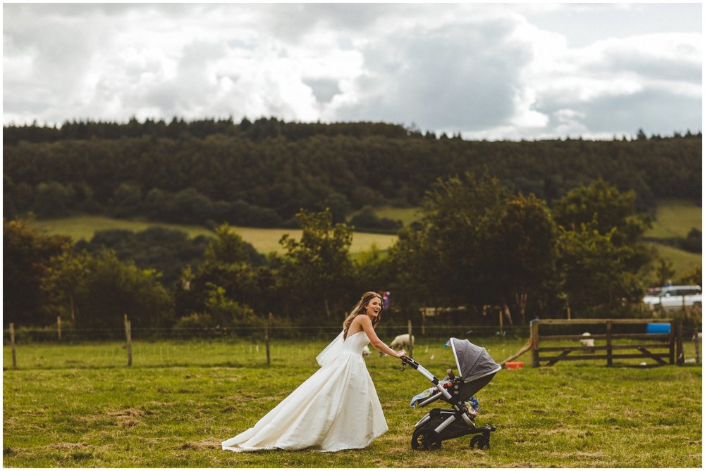 Quirky Wedding Photography Yorkshire_0100.jpg