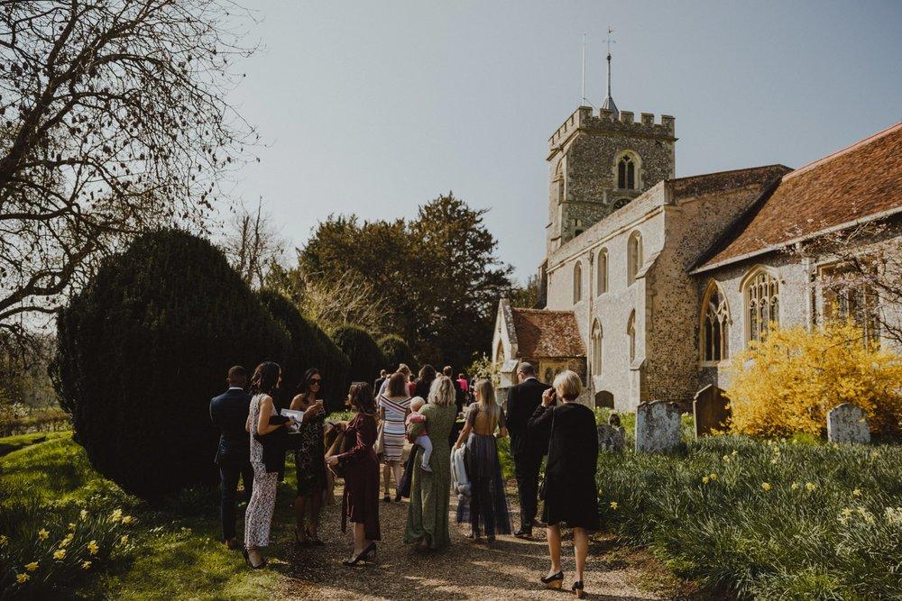 farmhouse-at-redcoats-wedding-hertfordshire_0017.jpg