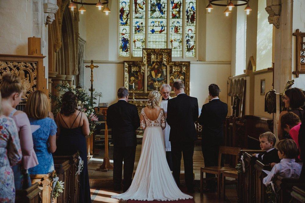 farmhouse-at-redcoats-wedding-hertfordshire_0036.jpg