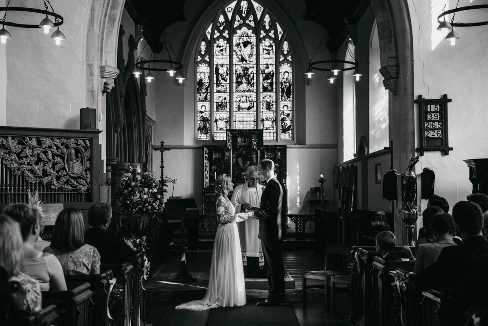 farmhouse-at-redcoats-wedding-hertfordshire_0046.jpg