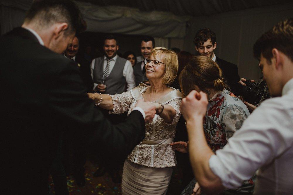 virginia-park-lodge-wedding-ireland_0118.jpg