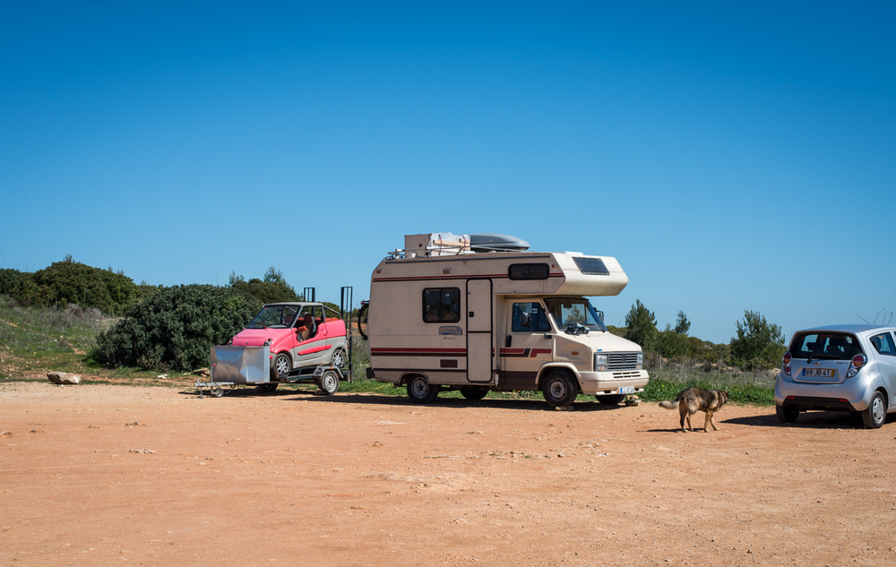 After breakfast we drove to a vantage point to get our bearings and found these executive campers. They came prepared.