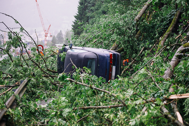 FrederikvandenBerg_MountainPhotography_Elm-Car-Crash-805090.jpg