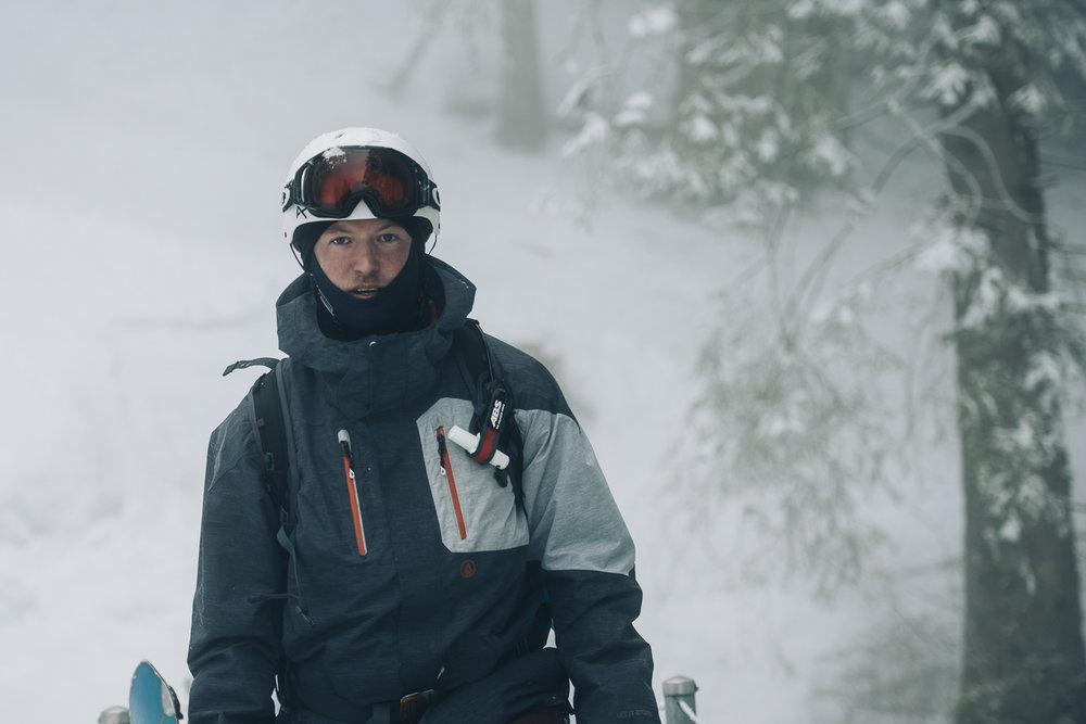 Frederik_vandenBerg_OutdoorPhotography_Winter_Splitboarding-Lidernenhuette--21.jpg