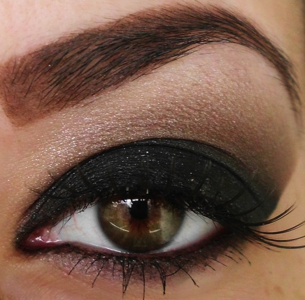 black-smokey-eyes.jpg