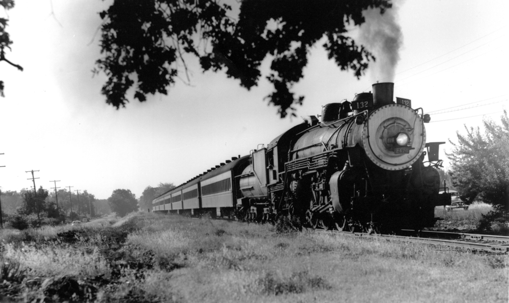 Southern Pacific Train No. 2476, along what is now Foothill Expressway. Reproduced with permission from the Los Altos History Museum.