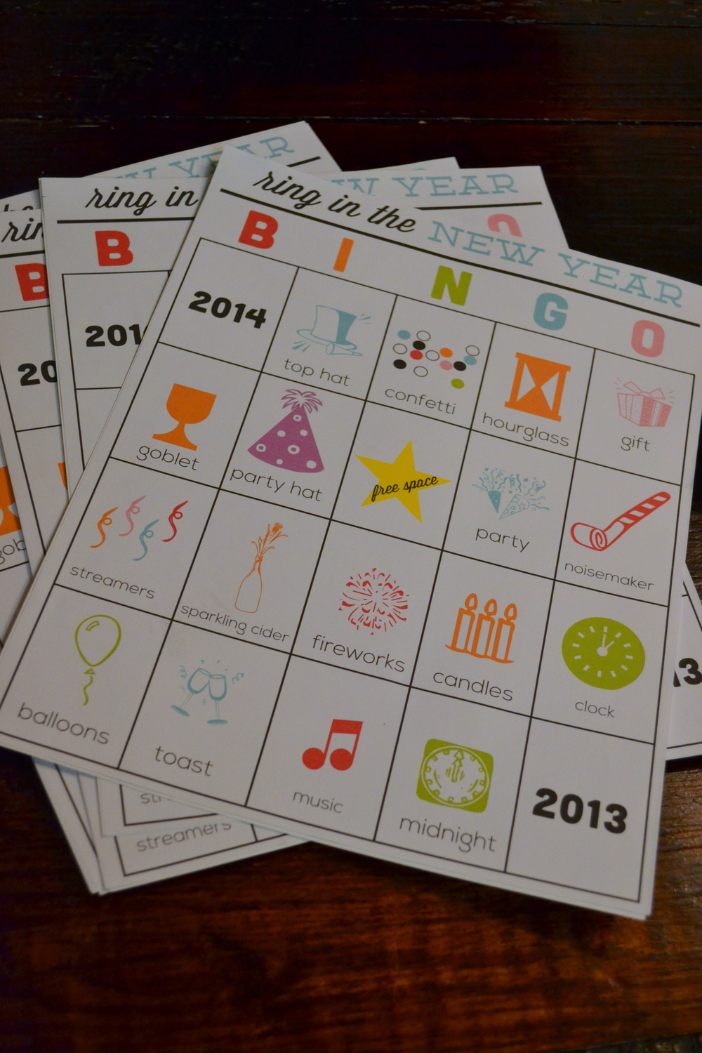 Family bingo for 4, please. (Printables courtesy of  30 Handmade Days blogstress ...I found her stuff through  Pinterest !)