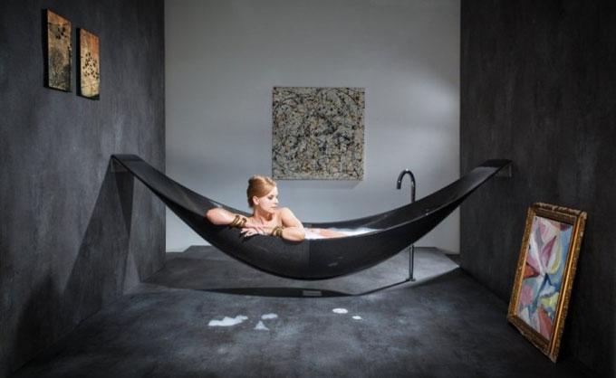 Floating-hammock-bath-tub.jpg