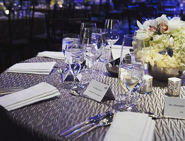 Calm before the storm 🌪 #tbt #throwback #tablescape #tablesetting #centerpiece #votives #orchids #hydrangeas #stemware #newyork #eventprofs #events