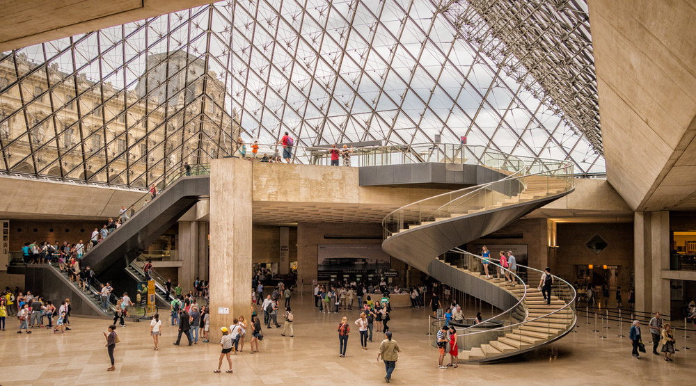 art lovers - louvre.jpg