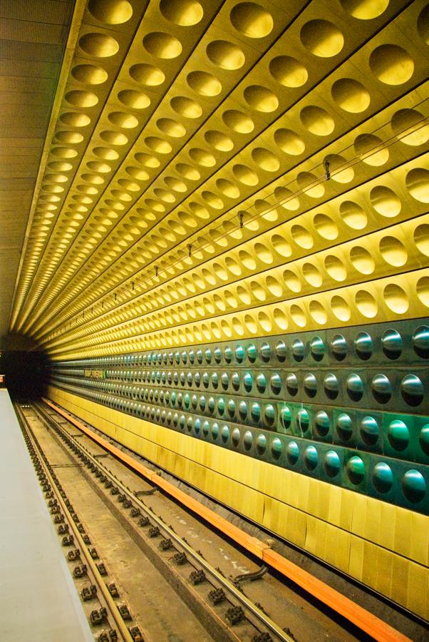 metro prague.jpg