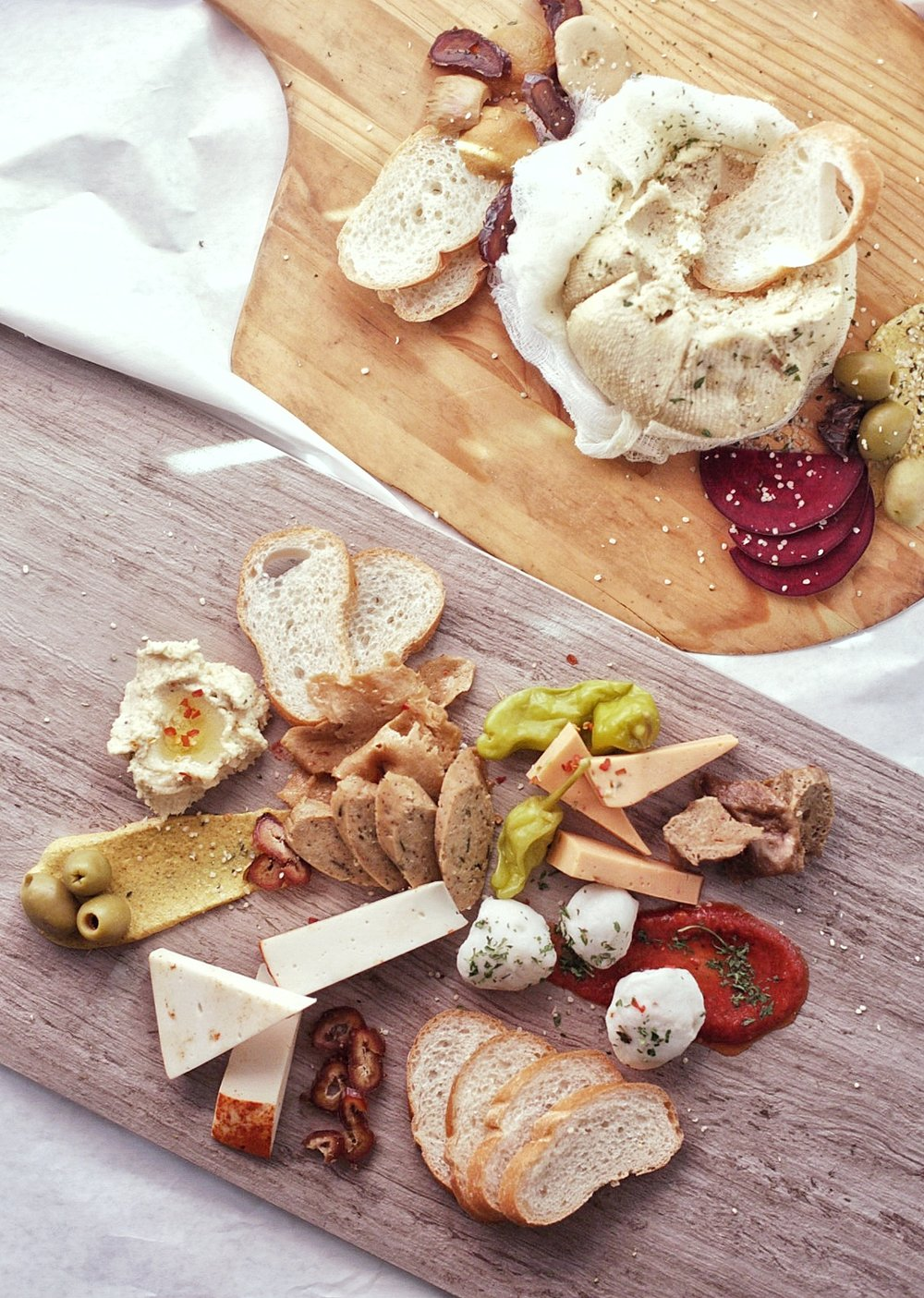 vegan-cheese-plate-spread