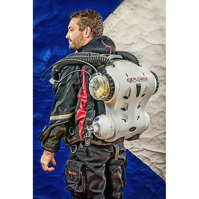 Tim on his Hollis Explorer CCR Rebreather, part of the 20 Thousand Leagues photo series. #backmount #ccr #rebreathers #rebreatherdiver #rebreatherdiving #hollisexplorer #explorer #hollisexplorerrebreather #drysuit #dx300x #hollisdrysuit #hollis #lightmonkey #hollissms75diving #hollissms75s #duidrysuits #20thousandleagues #twentythousandleagues #twentythousandleaguesunderthesea #breathingtheloop