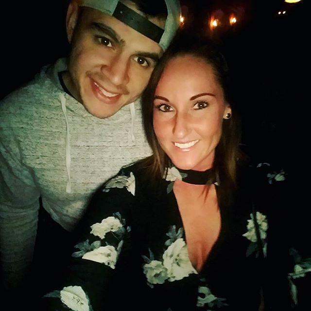 Gosh he's hot. #datenight #totalbabe #theuptownkc #randyrogersband #datenighteverynight #reddirtcountry #mikeryan #kansascity