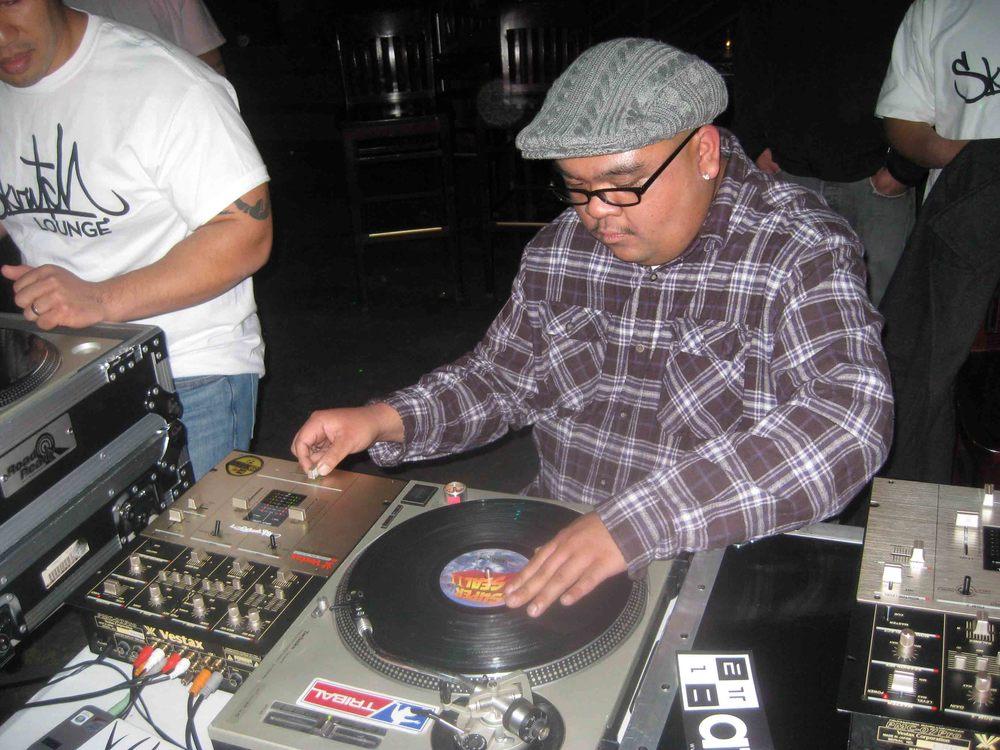 2011_04_07_Skratch Lounge 1 Yr Anniversary (00).jpg